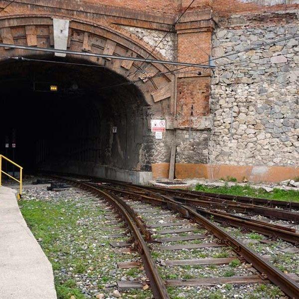 Túneles y estación 0002