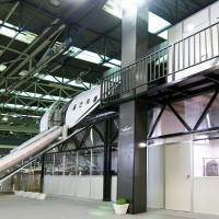 Airplane and hangar 0001